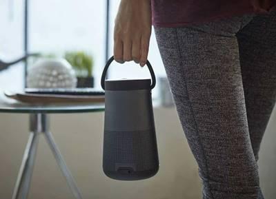 Bose SoundLink Revolve + có quai xách tiện dụng